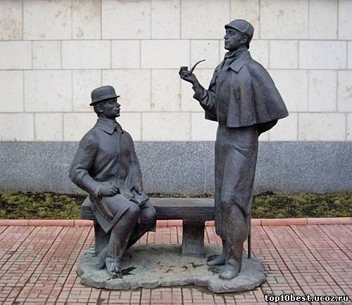 Памятник Василию Ливанову и Юрию Соломину.